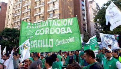 Contundente reclamo de trabajadores de la empresa Arcor