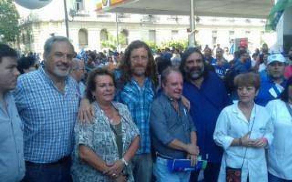 """De Isasi, titular de ATE Provincia: """"Hubo un parazo en una movilización histórica"""""""
