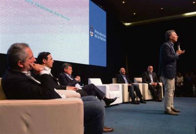 Macri afianzó el vínculo con gobernadores peronistas