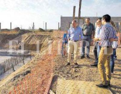 Avanza la construcción de la planta de tratamiento cloacal
