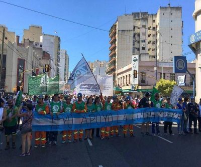 La Intersindical nacionaliza reclamo contra los despidos en YCRT