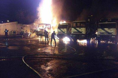Se incendiaron nueve camiones de basura en Boulogne