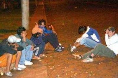 """Sacerdote de Juárez: """"No es nada nuevo que los chicos aspiren naftas, son sus primeras drogas"""""""