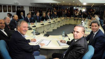 Los gobernadores peronistas se muestran reacios a las cumbres de unidad del PJ