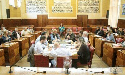 En medio de críticas y falta de precisiones, el Concejo avaló la fiscal e impositiva