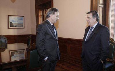 El mismo día que intervinieron el PJ, Pichetto recibió un premio al legislador