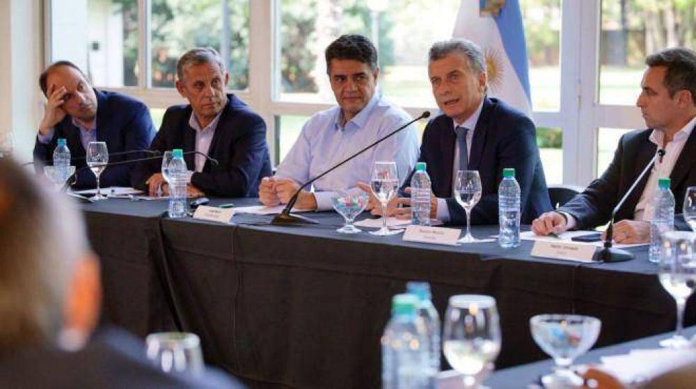 """Macri: """"Es una vergüenza que estemos tirando la caca al río"""""""
