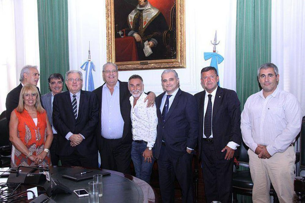 La Federación de la Carne firmó convenio de asistencia con la UBA