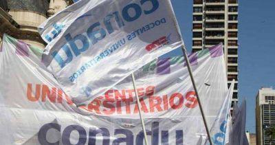 Docentes universitarios multiplican las protestas y resolvieron otra huelga de 48 horas