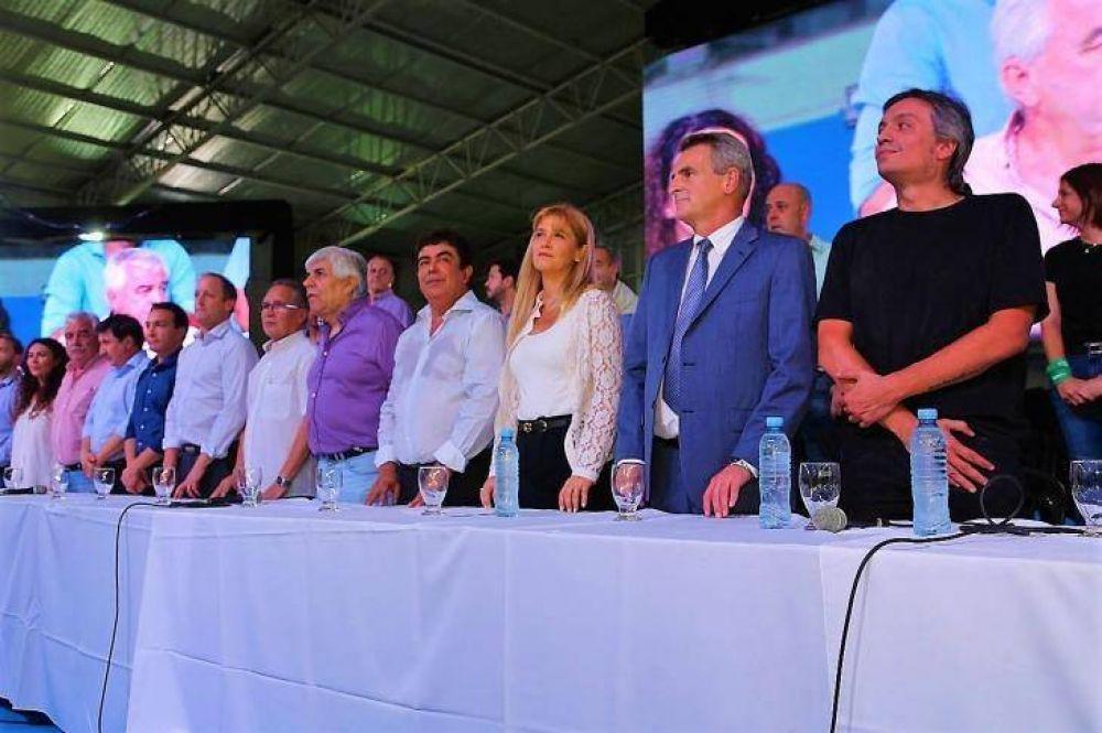 La reconstrucción de Moyano: su vuelta a las calles, la foto con el PJ bonaerense y la guerra con Macri