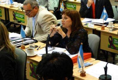 Sesma apunta contra el gremio y las tres empresas en carrera