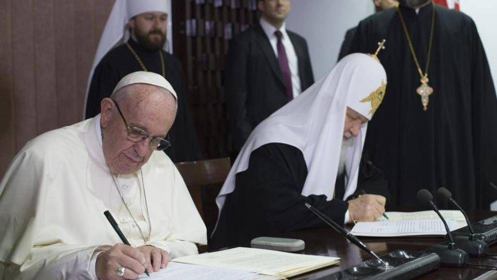 """Llamada telefónica entre el Papa y Kiril: """"Detener el derramamiento de sangre en Siria"""""""