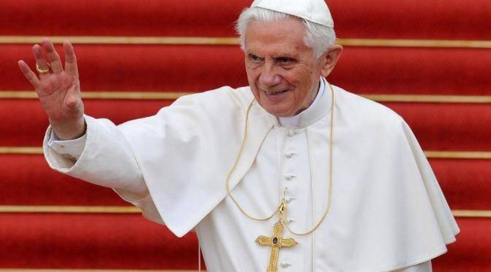 """""""Feliz cumpleaños Benedicto XVI"""", el Papa de la dulzura"""