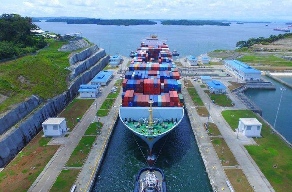 Canal de Panamá : capitanes de remolcadores denuncian problemas operativos