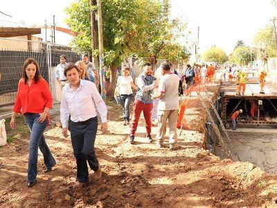 María Eugenia Vidal y Jaime Méndez recorrieron la obra hidráulica Los Berros
