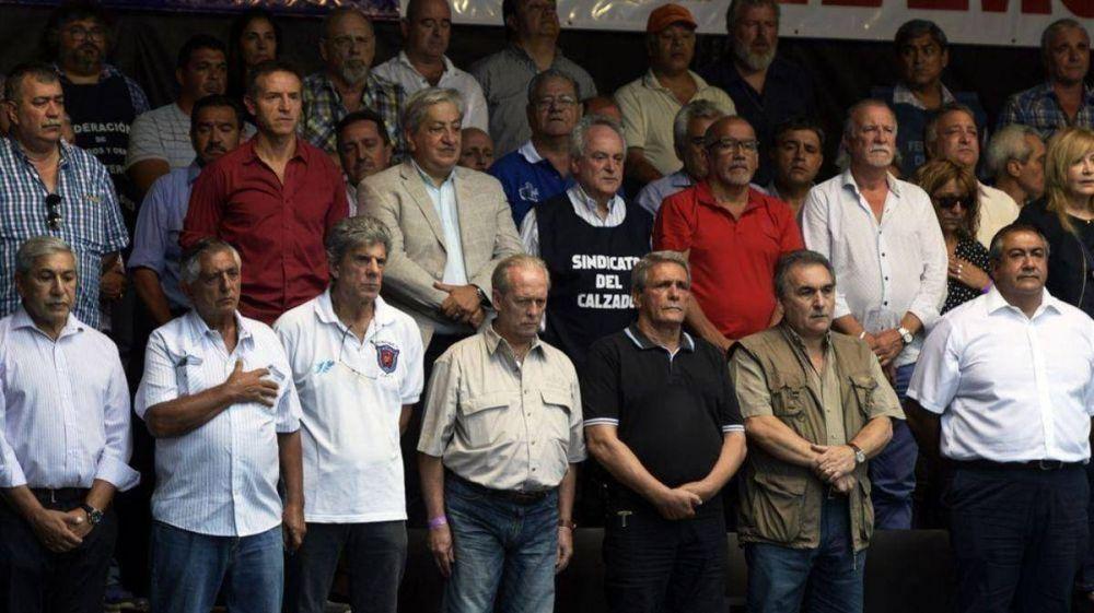 Gordos e independientes buscan acuerdos por la CGT y Barrionuevo busca sello