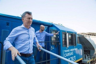 Guerra de logística: invierten $20.000 millones en trenes para quitarle terreno a Camioneros