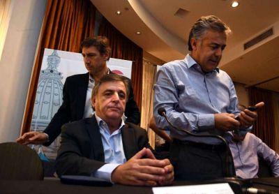 Los radicales meten presión y le presentan una propuesta tarifaria a Marcos Peña