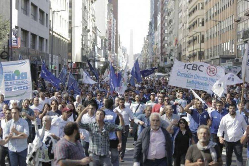 Tras el paro de 48 horas, bancarios esperan alcanzar un acuerdo salarial en la jornada de hoy