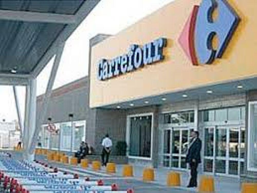 Carrefour: tras avances, continuarán hoy negociaciones entre sindicalistas y empresarios