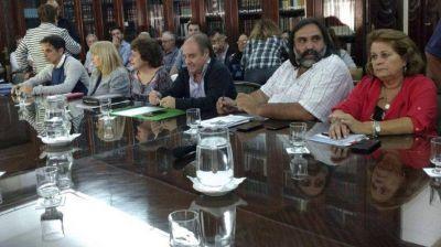 Si no hay acuerdo irían al paro: docentes y Provincia se reúnen por 16º vez