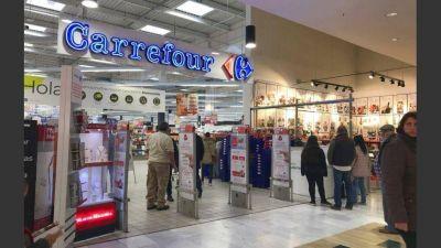 Comercio no logra frenar despidos en Carrefour y los trabajadores comienzan medidas de fuerza