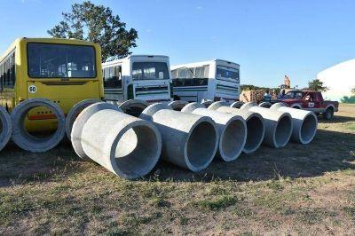 El Municipio compró 60 caños de hormigón armado para continuar con el trabajo de alcantarillado en Villa Ángela