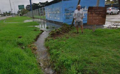 Baja presión, faltante y cortes reiterados de agua encabezan los reclamos contra ABSA