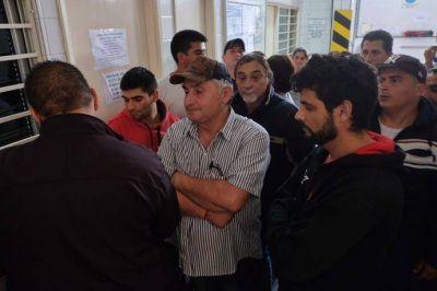 Trabajadores de El Marisco toman la fábrica y reclaman continuidad laboral
