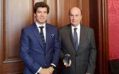AySA fue galardonada en Francia como empresa líder del sector