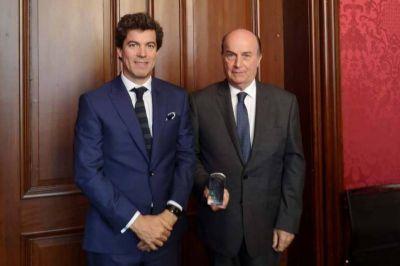 AySA galardonada en Francia como empresa líder del sector