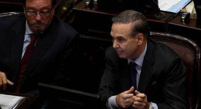 Pichetto desoyó el pedido de Massa y los gobernadores y no endureció el tono contra Peña