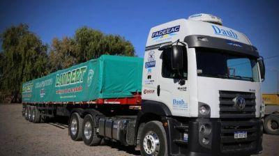 El primer súper camión llegó a Vaca Muerta y se abre la polémica