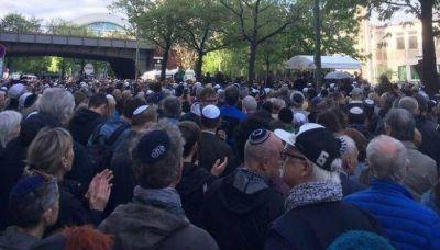 Todos con kipá: masiva marcha en repudio al antisemitismo