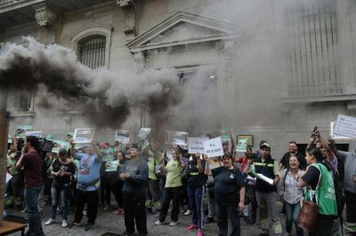 Protestas por el avance de la quema de basura en la Ciudad