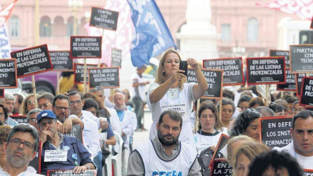 Macri no quiso maestros en la Rosada