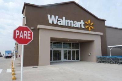 Clausura al supermercado Walmart: Culpan a un basural cercano