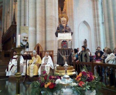 La reliquia del Padre Pío en la catedral de La Plata