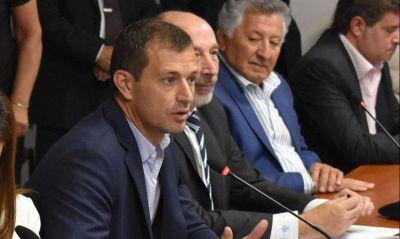 El peronismo insiste con las tarifas y lleva 20 intendentes a Diputados