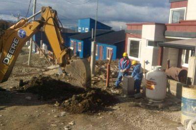 Ushuaia: Bertone anunció que comienzan las obras de conexión de agua y cloacas al barrio Identidad Fueguina