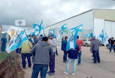 Trabajadores metalúrgicos levantaron las medidas de fuerza en la empresa QM
