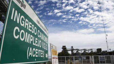 Aceiteros marchan por despidos en Cargill
