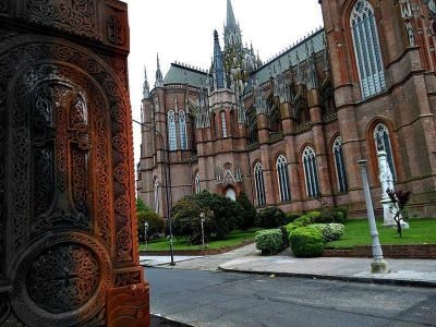 Catedral de La Plata: avanza la instalación de cámaras de seguridad y detectores de humo e incendio