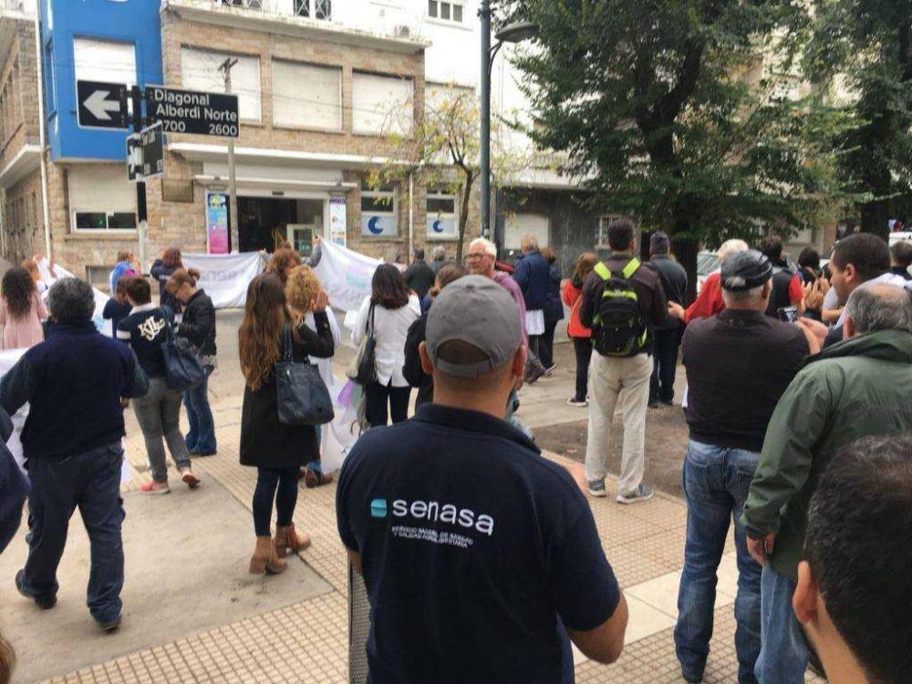 Sigue el paro en el Senasa: confirmaron dos despidos