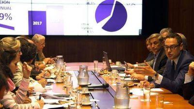 La AFIP saldrá a la caza de evasores de IVA y Ganancias, mientras dispuso facilidades tributarias
