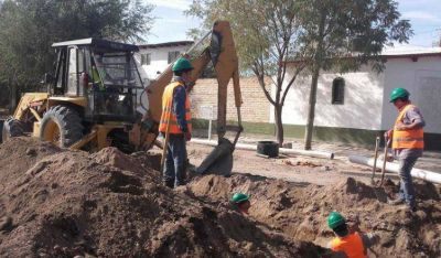 Avanza la red de desagües cloacales de barrio Nuevo de Roca