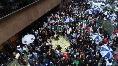 Marcha de la CGT en contra del aumento de las tarifas de los servicios públicos