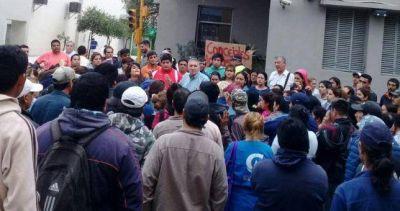 El ajuste no cesa y un intendente de Cambiemos dejó 800 municipales en la calle