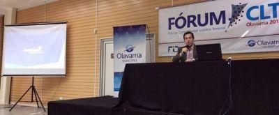 Disertación de Arturo Rojas en Forum en Olavarría