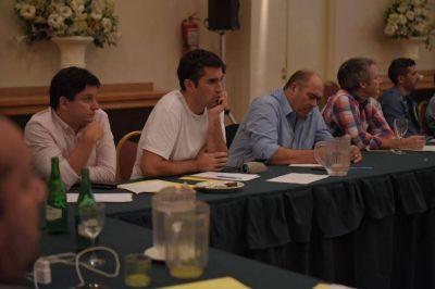 Un campeón olímpico, la frutilla del encuentro de diputados oficialistas en La Feliz